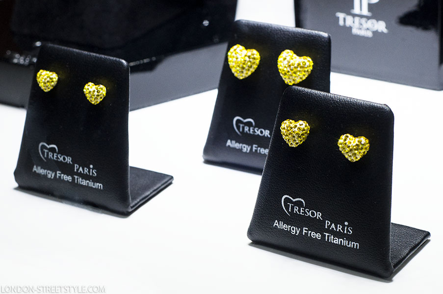 Tresor Paris, Tresor Paris new Winter/Spring 2013 – 2014  collection, Winter/Spring 2013 – 2014, Winter/Spring 2013 – 2014  collection, jewelry, jewelry brand, Westbury Hotel London, New Bond Street, Westbury Hotel Gallery Room, Antonio Banderas, Emma Watson, Justin Bieber, Nicole Scherzinger, Rugby for Heroes, Breast Cancer Care, Cancer Care , unique, elegant, energy, sparkle, silviu doroftei, romance, luxury, beauty