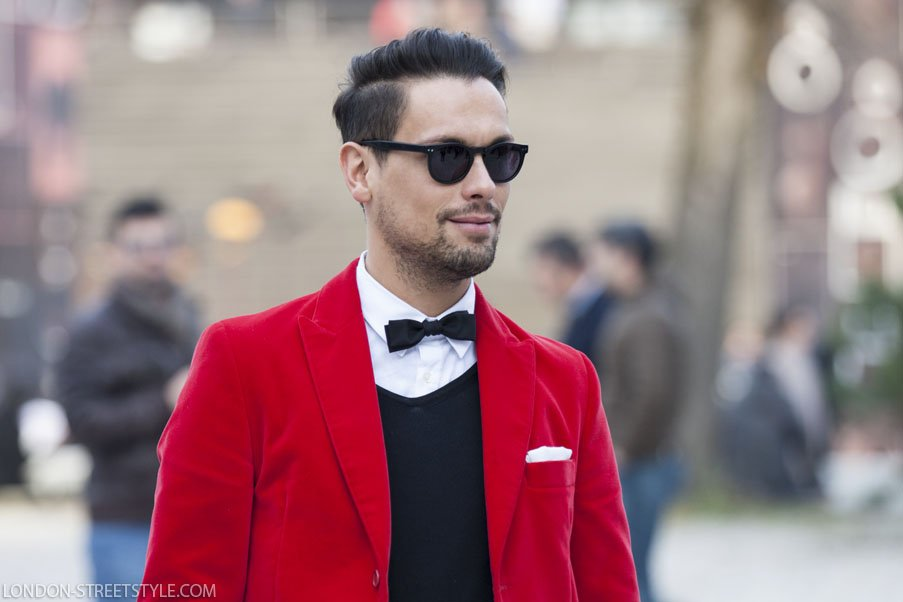 Pitti Imagine Uomo, Pitti Imagine Uomo 2013, Pitti Imagine Uomo 85, Italy, Florence, Firenze, Fortezza da Basso , fashion, street style,fashion photography, fashionable, fashionista, street fashion, men's fashion, mensfashion, menswear, style, class, stylish men, sunglasses, men's sunglasses, mens sunglasses, round sunglasses, men's round sunglasses, mens round sunglasses, black sunglasses, men's black sunglasses, mens black sunglasses, black round sunglasses, men's black round sunglasses, mens black round sunglasses, sweater, men's sweater, mens sweater, black sweater, men's black sweater, mens black sweater, v neck sweater, men's v neck sweater, grey v neck sweater, men's grey v neck sweater, mens grey v neck sweater, bowtie, men's bowtie, mens bowtie, black bowtie, men's black bowtie, mens black bowtie, blazer, men's blazer, mens blazer, red blazer, men's red blazer, mens red blazer, men's blazer, mens blazer, handkerchief, men's handkerchief,white handkerchief, men's white handkerchief, mens white handkerchief, silviu doroftei