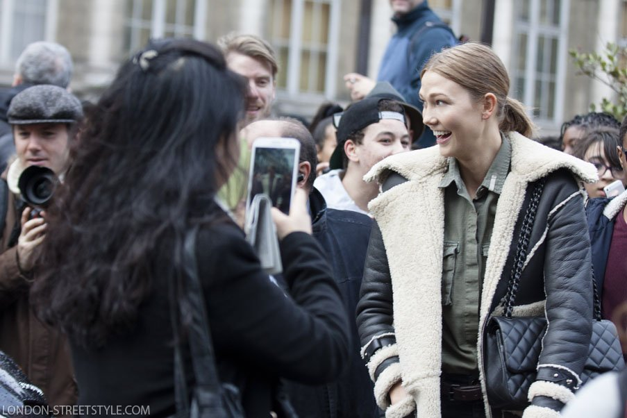 Paris, France, Paris Fashion Week, PFW, autumn winter, autumn winter 2014, aw14, PFW AW14, fashion, street style,london streetstyle,fashion photography, fashionable, fashionista, street fashion, women's fashion, womensfashion, womenswear, style, class, elegance, london-streetstyle.com, silviu doroftei, karlie kloss, model, model off duty, dior, outside dior, coat, women's coat, womens coat, in the moment, people, crazy