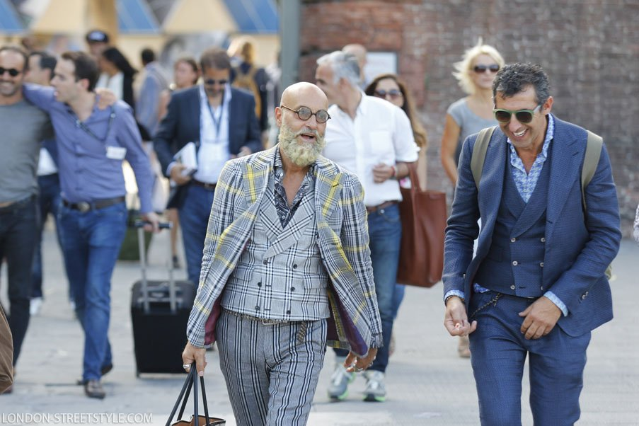 Pitti Imagine Uomo, Pitti Imagine Uomo 2014, Pitti Imagine Uomo 86, Italy, Florence, Firenze, Fortezza da Basso , fashion, street style,fashion photography, fashionable, fashionista, street fashion, men's fashion, mensfashion, menswear, style, class, stylish men,stylish man, silviu doroftei, london-streetstyle.com, spring summer 2015, ss15, pitti streetstyle, pitti uomo streetstyle, pitti 86 streetstyle, pitti uomo 86 streetstyle, duo, in the moment, blazer, men's blazer, mens blazer, pattern blazer, navy blazer, suit, men's suit, mens suit. sunglasses, round sunglasses, men's sunglasses, mens sunglasses, trousers, men's trousers, mens trousers, print trousers, navy trousers, bag, men's bag, mens bag