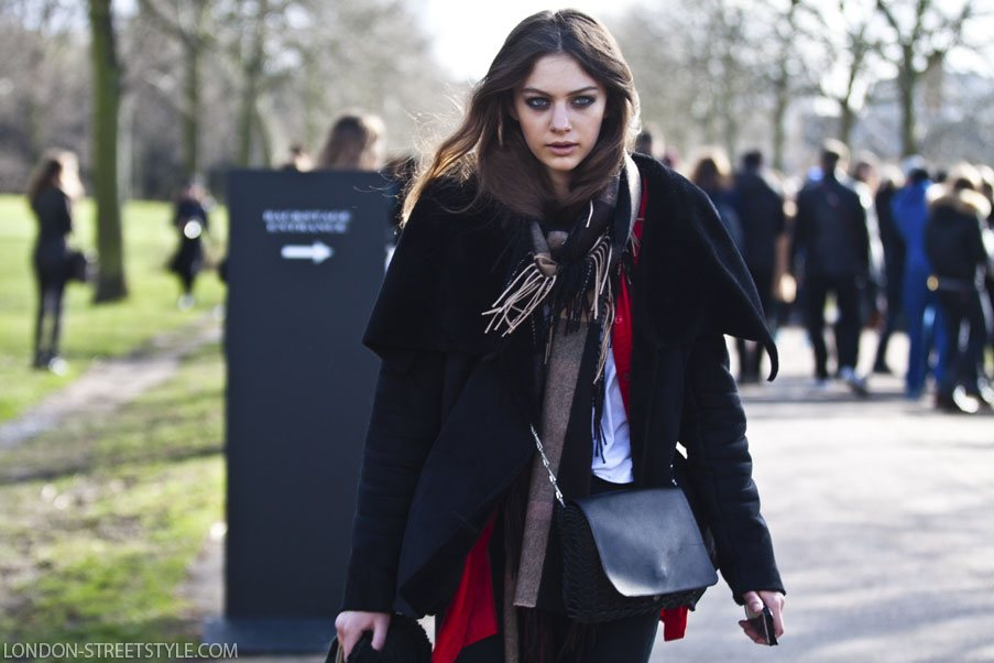 London Fashion Week, London Fashion Week Autumn Winter 2015, Autumn Winter 2015, AW15, London Fashion Week Streetstyle, London Fashion Week Autumn Winter 2015 streetstyle, London Fashion Week AW15 streetstyle, AW15 streetstyle, London, United Kingdom, Somerset House, fashion, street style,london streetstyle,fashion photography, fashionable, fashionista, street fashion, women's fashion, womensfashion, womenswear, silviu doroftei, model, model off duty, beautiful, gorgeous, gorgeous face, stylish model, stylish woman, coat, women's coat, womens coat, black coat,black womens coat, black womens coat, scarf, women's scarf, womens scarf, model off duty