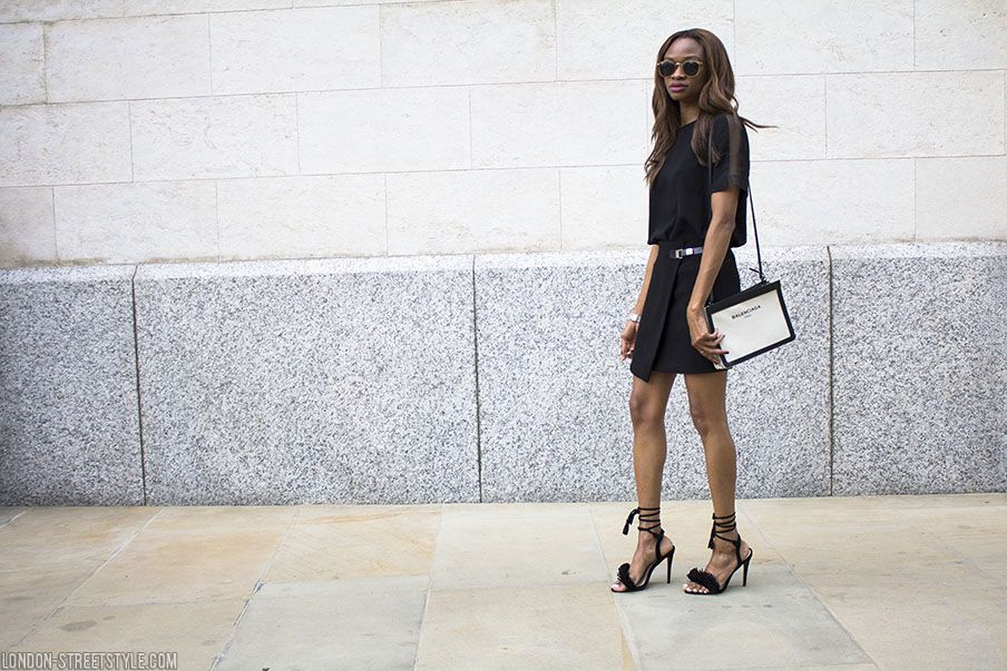 Lorna, Symphony of Silk, fashion, streetstyle, fashionista, london streetstyle, stylish, all black outfit