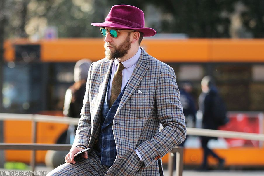 mid-length half, men's fashion, men's fashion week, Pitti Uomo, Pitti Uomo 2016, Pitti Uomo 89, po, fashion, street style, Italian streetstyle, pitti uomo streetstyle, pitti uomo 89 streetstyle, fashionista, street fashion, menswear, sunglasses, suit, men's suit, hat, men's hat, gentleman, stylish gentleman, trousers, men's trousers, laci nagy, stil masculin, stilmasculin.ro